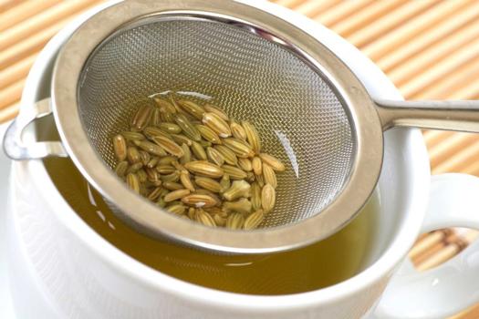 خواص مفید چای رازیانه