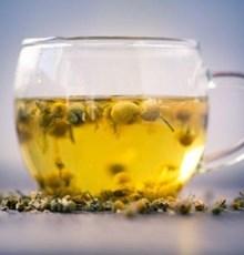 14 دلیل برای نوشیدن یک فنجان چای بابونه-1