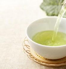 بررسی اثر کاتچینهای چای سبز بر متابولیتهای استرس اکسیداتیو ناشی از فعالیتهای فیزیکی