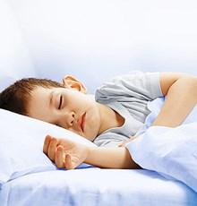 تأثیر عسل بر سرفههای شبانه و کیفیت خواب کودکان
