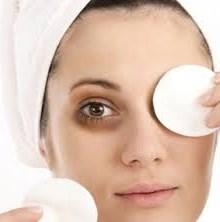 کاهش سیاهی دور چشم ها را با ۶ ماده غذایی