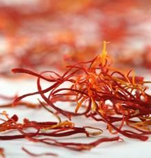 بهبود گردش خون با خوردن چای زعفران