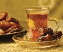هرگز توت و خرما را همراه چای نخورید!