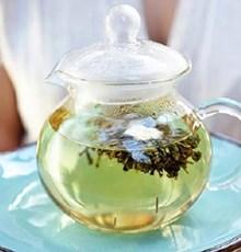 از این چای بنوشید تا کمتر عصبی شوید