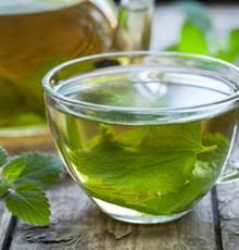 پیشگیری از ابتلا به یبوست مزمن با نوشیدن منظم ۵ نوع چای