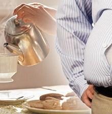 بهترین دمنوشهای گیاهی برای علائم بیماری سندرم روده تحریکپذیر