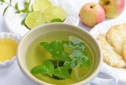 چای بادرنجبویه برای چه کسانی مفید است
