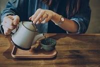 معرفی بهترین چای ها برای تهوع ، مشکلات خواب و افزایش سوخت و ساز بدن