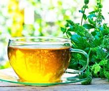4 نوشیدنی گیاهی که برای گلودرد بسیار مفید هستند.
