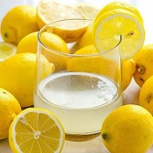 چند دلیل مهم که باید آب و لیمو بنوشیم!