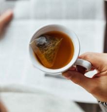 گنجاندن چای داغ در برنامهی غذایی به کاهش وزن کمک میکند